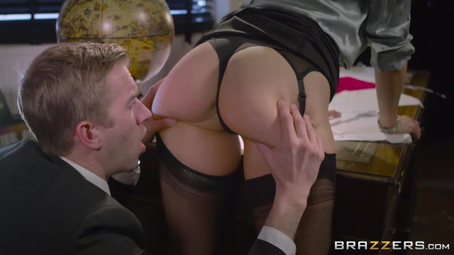 Blonde Milf With Glasses Rebecca Moore Giving Head Porn Video