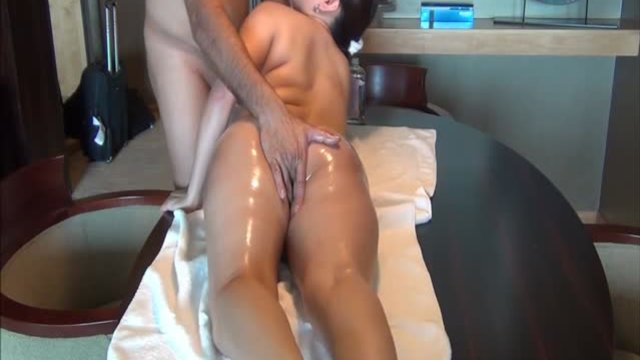 Gaping tube and gaping ass shemale porn tubes